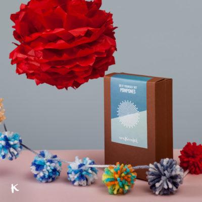 Kit para pompones, un regalo DIY para Navidad