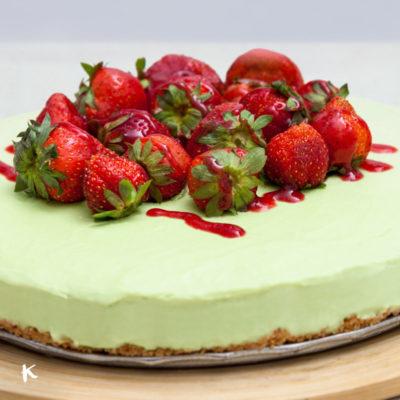 El postre perfecto del verano: Tarta helada de aguacate